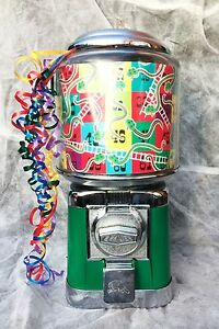 BEAVER-SWEET-MACHINE-WITH-NEW-PARTS-GRASS-GREEN-VINTAGE-RETRO-DISPENSING-CANDY