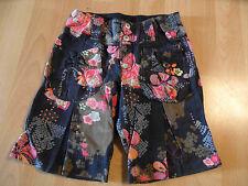CAKEWALK wunderschöne Winter Shorts im Blumenmuster Gr. 116 NEU ST116
