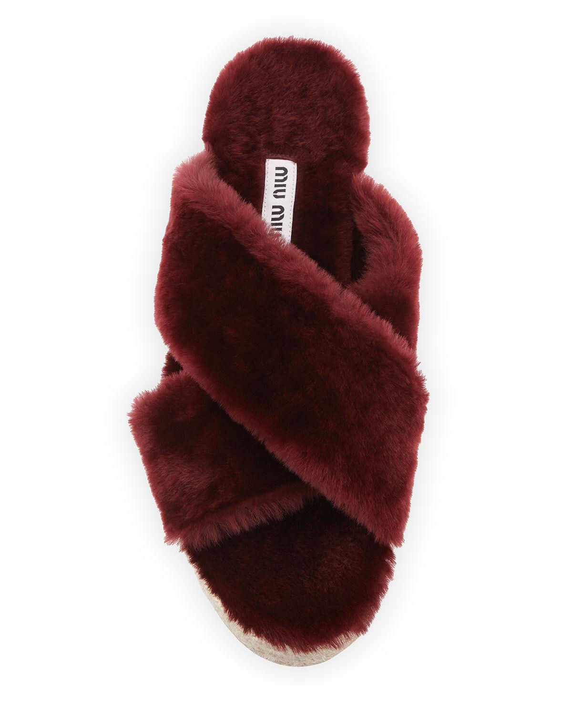 Miu Miu Shearling Crisscross Slide 38.5/8.5 Sandal MSRP $590.00 Size 38.5/8.5 Slide 54223b