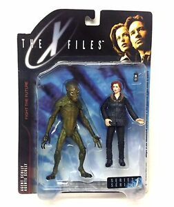 McFarlane-Toys-X-FILES-ALIEN-amp-DANA-SCULLY-tv-movie-figures-set-GREAT-FIGURES