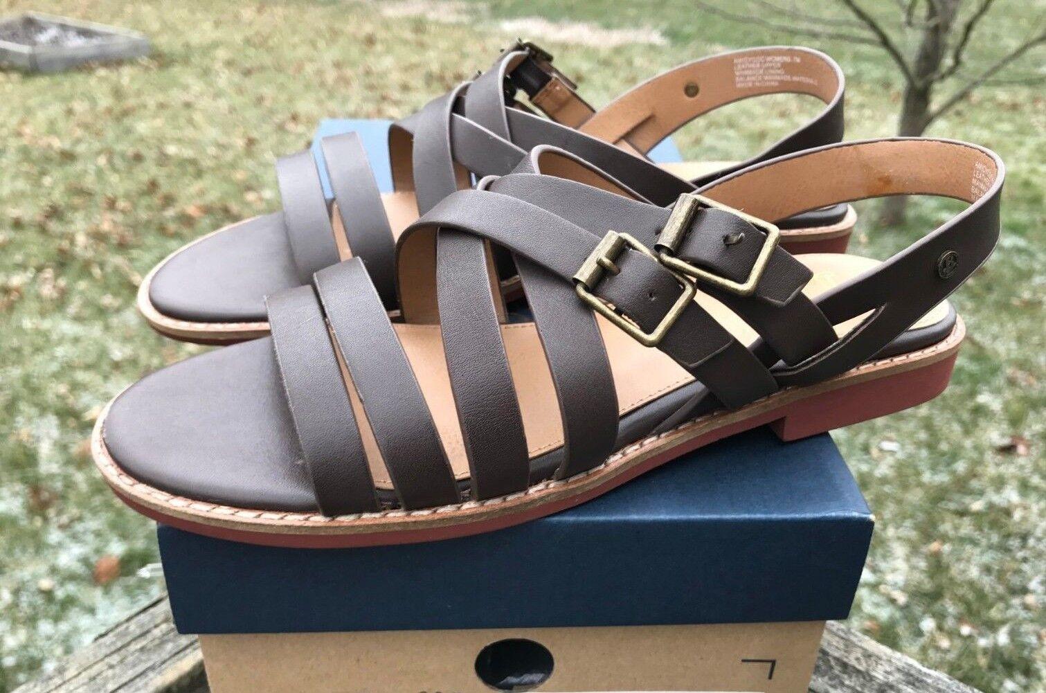 NIB GH Bass & Co. Amidy Strap Buckle Marronee Comfort Leather Sandals Multiple Dimensione