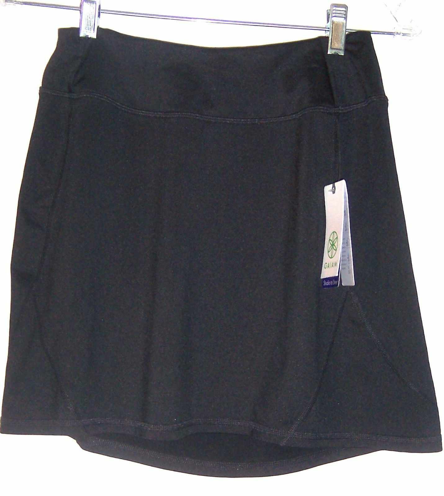 Gaiam Black Refresh Yoga Sports Skirt Athletic Activewear Skirt Size XS - S