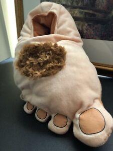 Big Hairy Feet Slippers Hobbit Big Foot Houseshoe Shire ... |Hobbit Feet Slippers