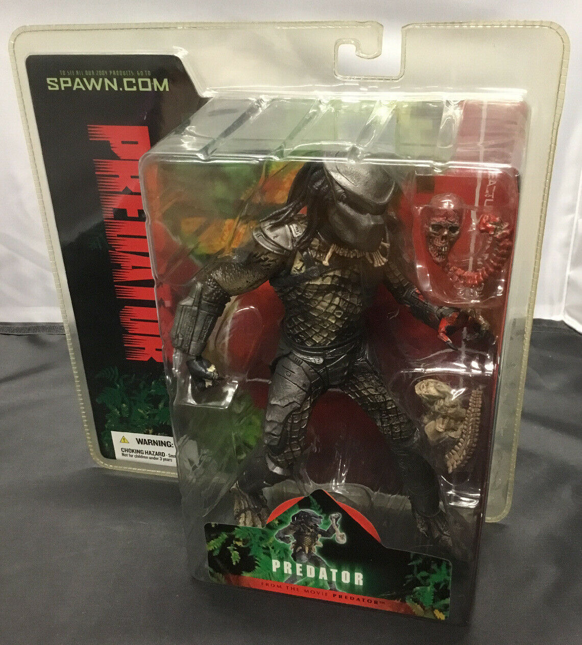 MCFARLANE giocattoli ProssoATOR WITH BLOODY SKULL VARIANT azione cifra
