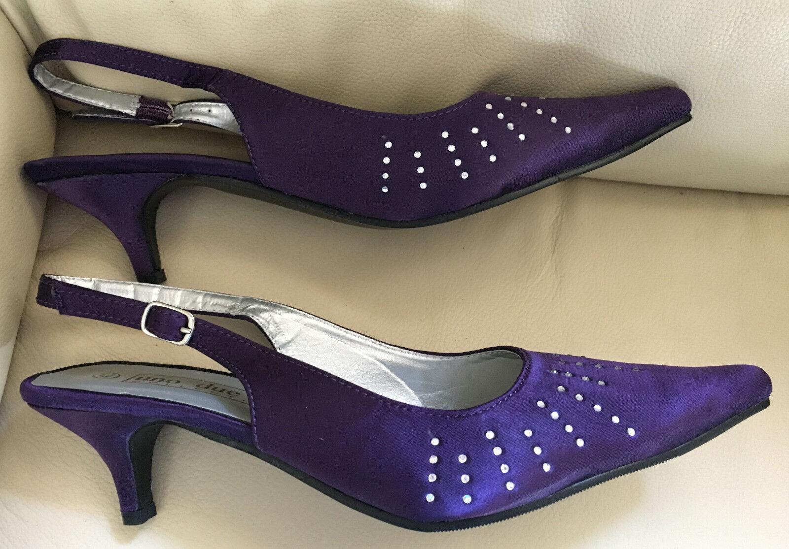 UNO DUE TRE COLLECTIO Schuhe Pumps Pfennig-Absatz lila mit Strass Größe 40 Satin