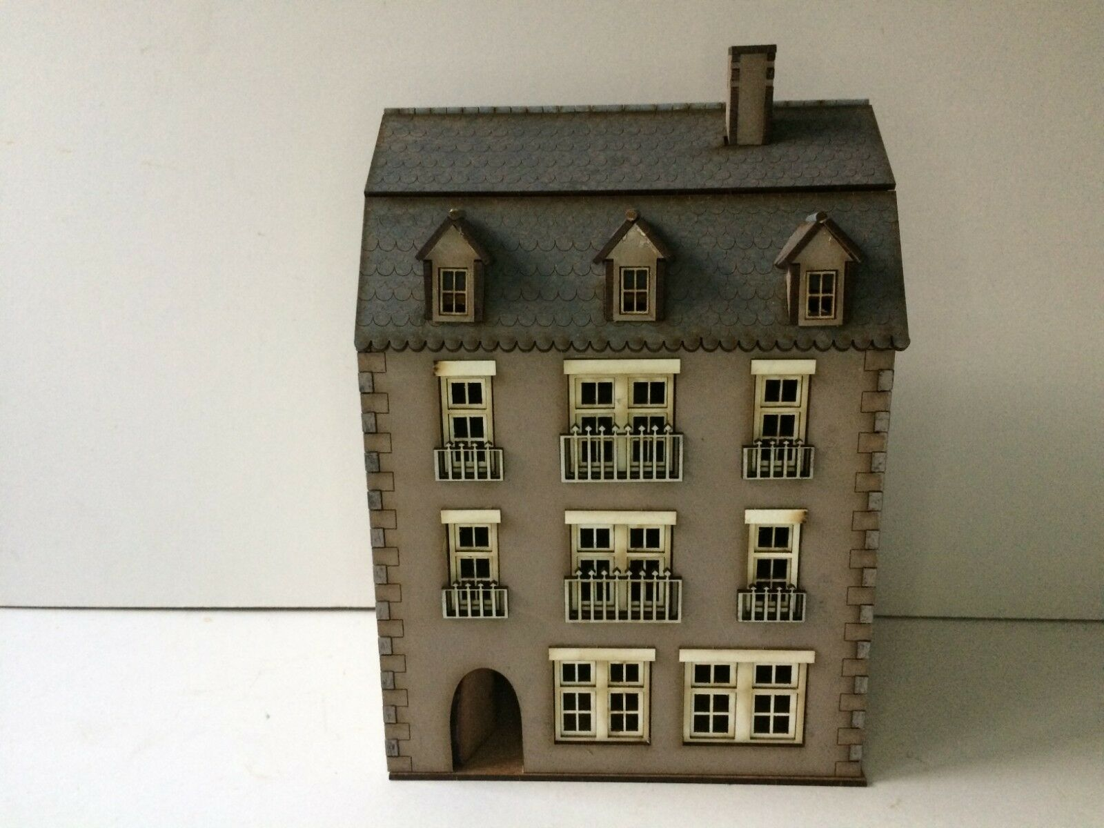 28mm European PREPAINTED BUILDING KIT- 28-Euro A