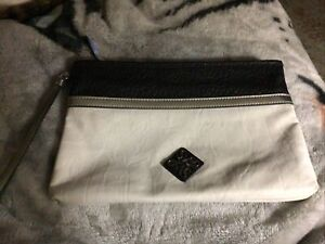 Simply Vera Wang Clutch Purse Black And White Classy!