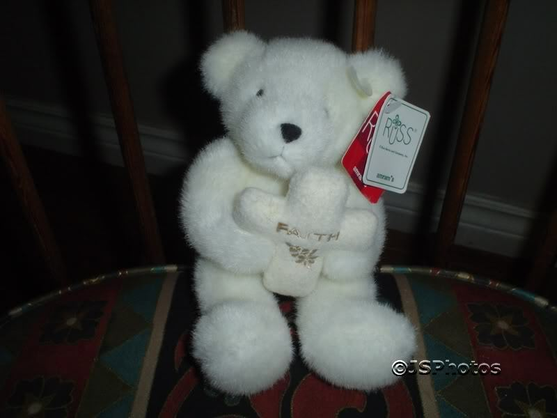 Russ Weiß Teddy Bear Holding Cross EmbroideROT Faith