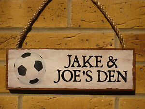 PERSONALISED-GARDEN-SIGN-OUTDOOR-PLAY-AREA-SIGN-OWN-NAMES-FOOTBALL-KIDS-PLAY-DEN