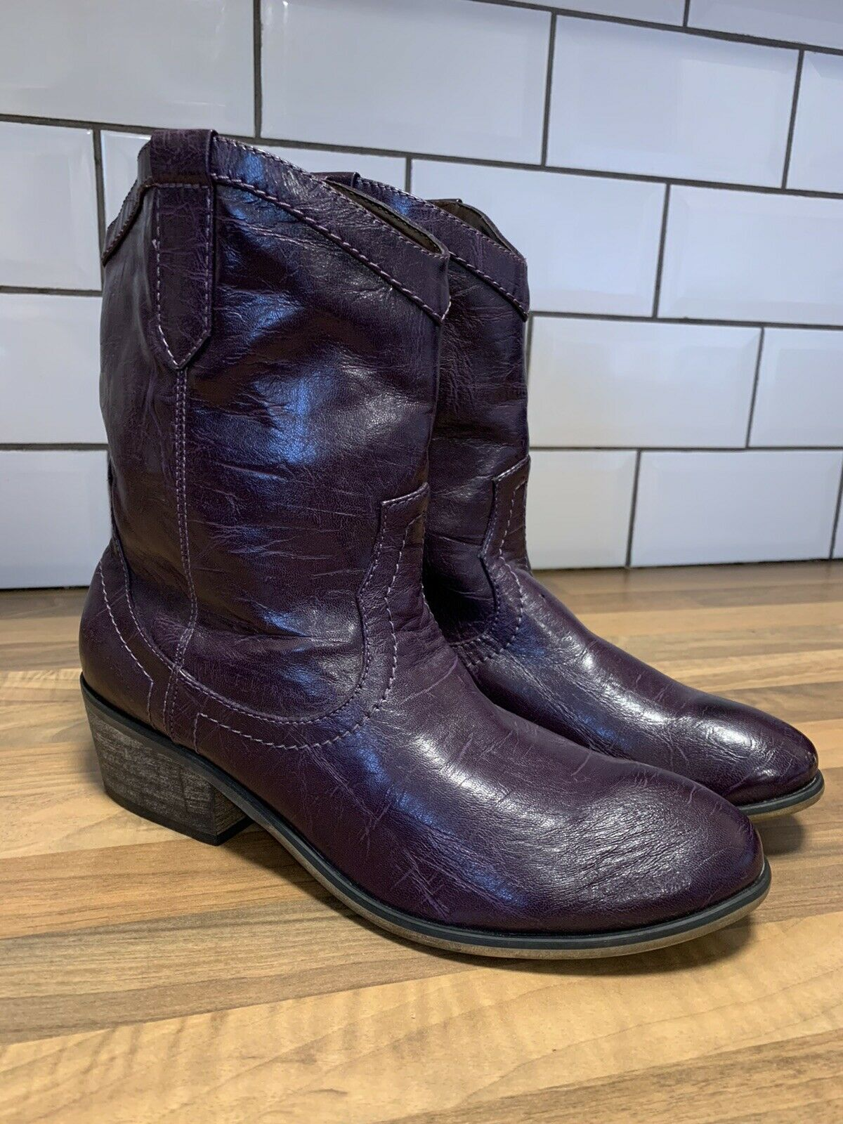 lila Leather Pull On Western Cowboy Rodeo Biker Stiefel UK Größe 7 BRAND NEW