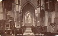 POSTCARD   NORFOLK   GREAT  YARMOUTH   Parish  Church  (  Interior )
