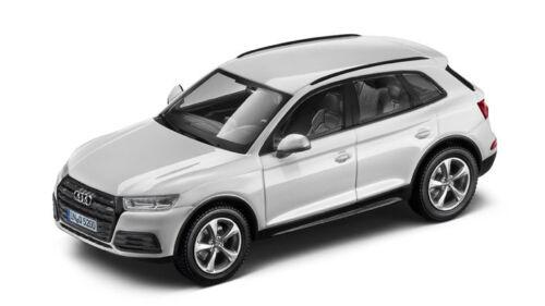 Original Audi Q5 8R Facelift Modellauto 1:43 Ibisweiss Ibis Weiss 5011605631