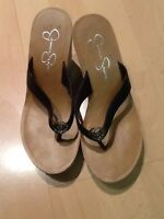 Jessica Simpson Black  Platform Thongs Flip Flop Sandals Shoes 6.5