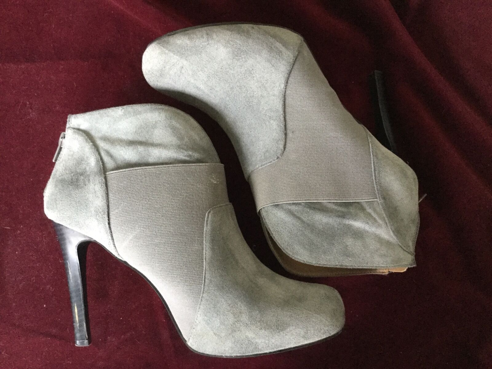 GOMAX GRAY ANKLE BOOTS w ZIPPER SIZE 9-4.25 IN HEEL-PROM NIGHT-SUEDE-VE<wbr/>RY NICE