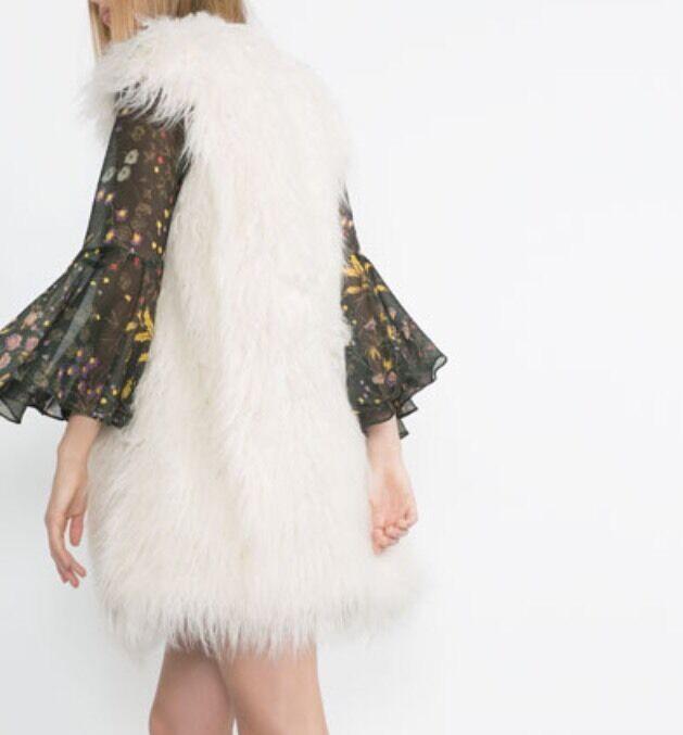 ZARA Women's Furry Waistcoat(White,  US  M EUR M )