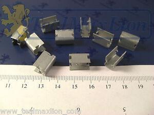 Jeu-de-10-agrafes-metalliques-3-2-5-2-Peugeot-604