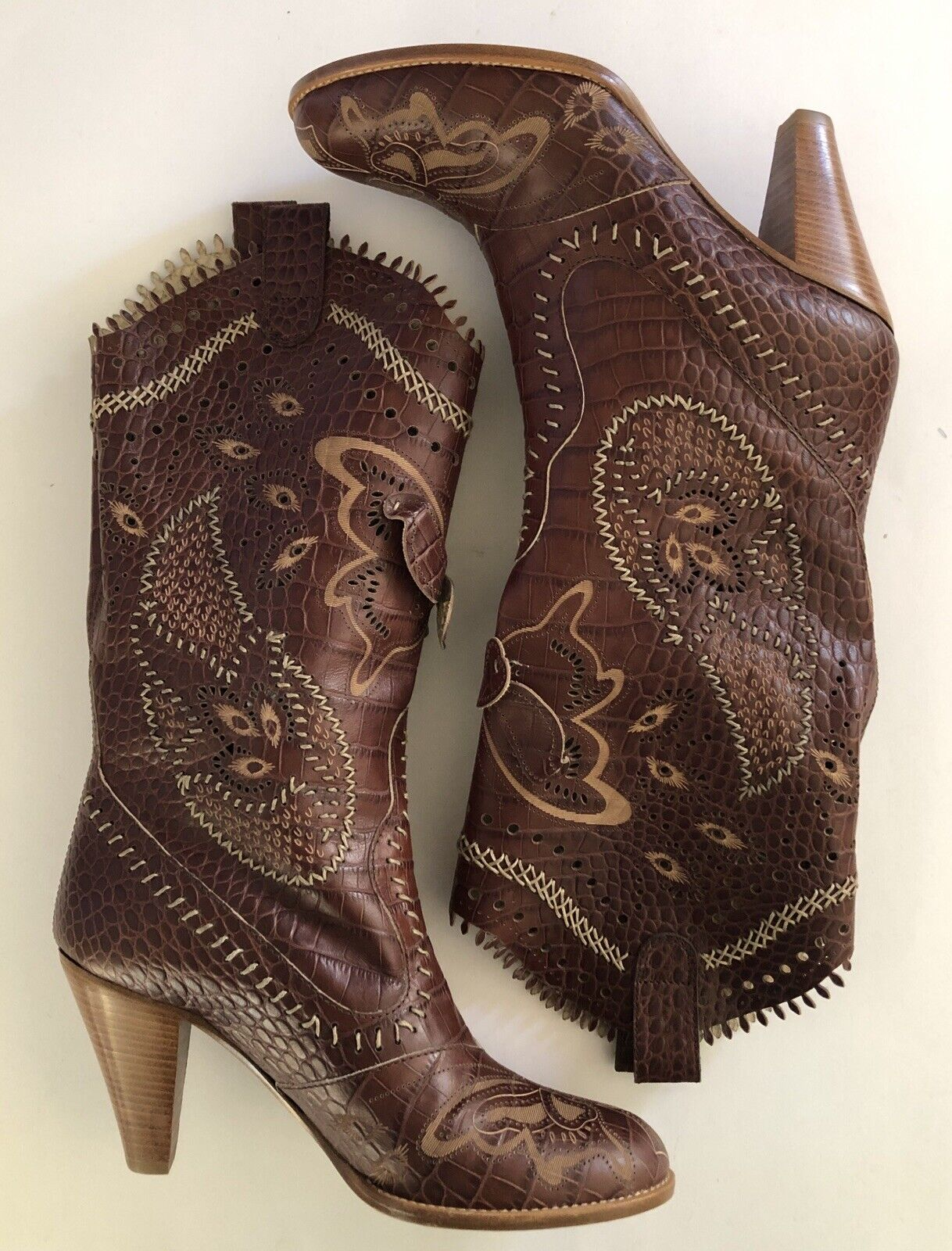 Anna Sui Runway marrón marrón marrón Leather Butterfly Embossed Embroiderojo Cowgirl botas US 8 eb2a43