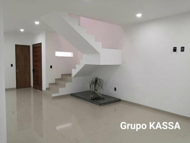 CASA EN VENTA 3 RECAMARAS EXCELENTE UBICACION