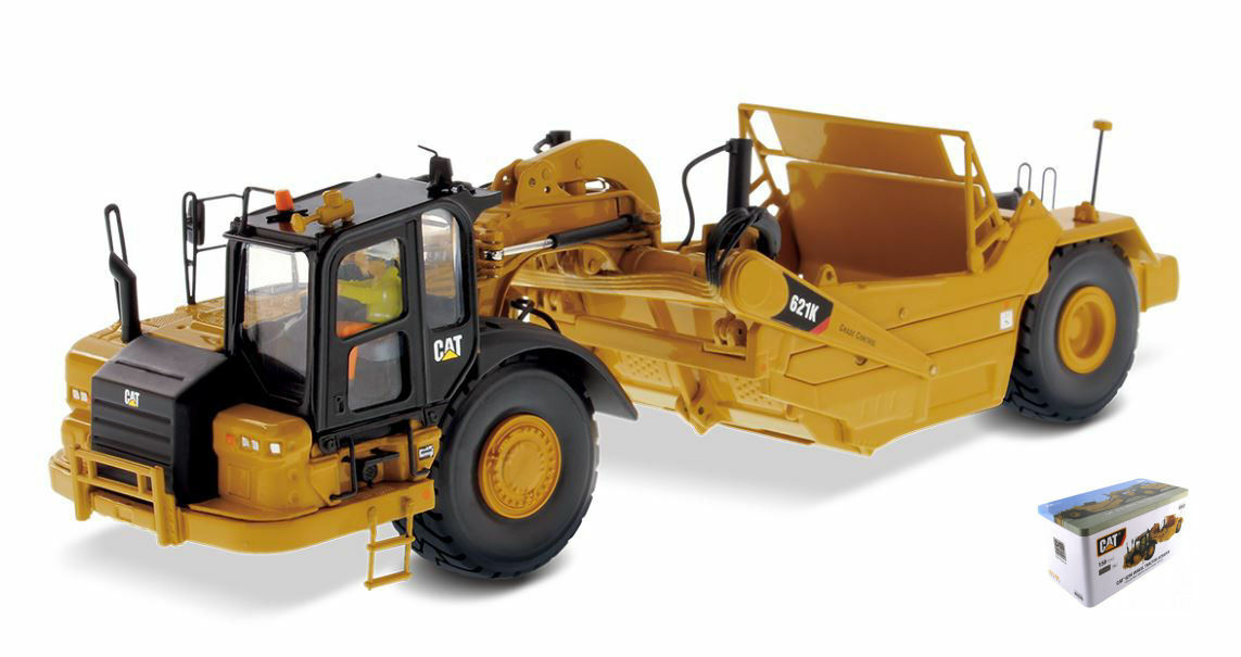 Cat 621K  Scraper 1:50 Model DIECAST MASTERS