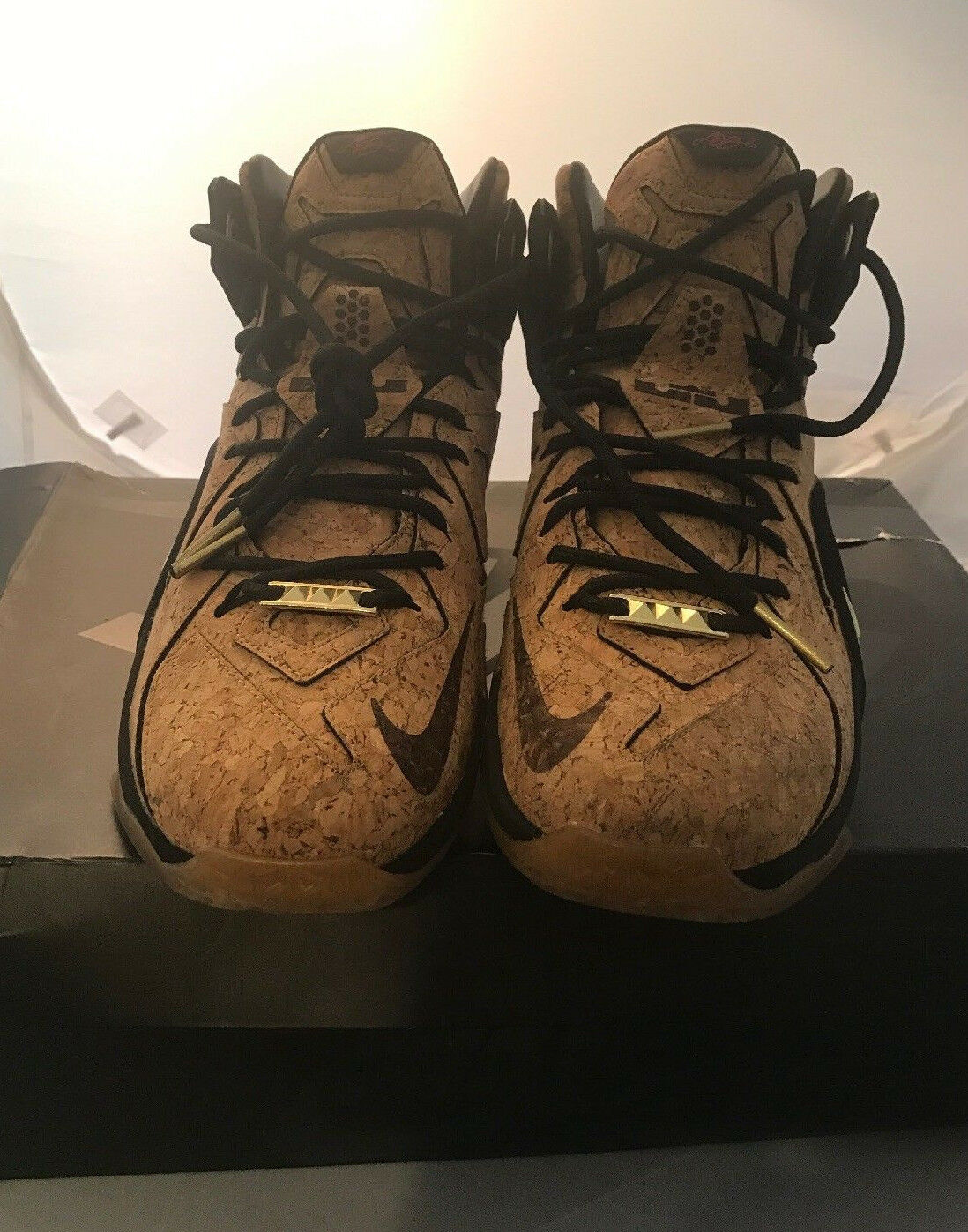 Nike Lebron XII EXT Cork Natural Black Mettalic gold -Size 9.5