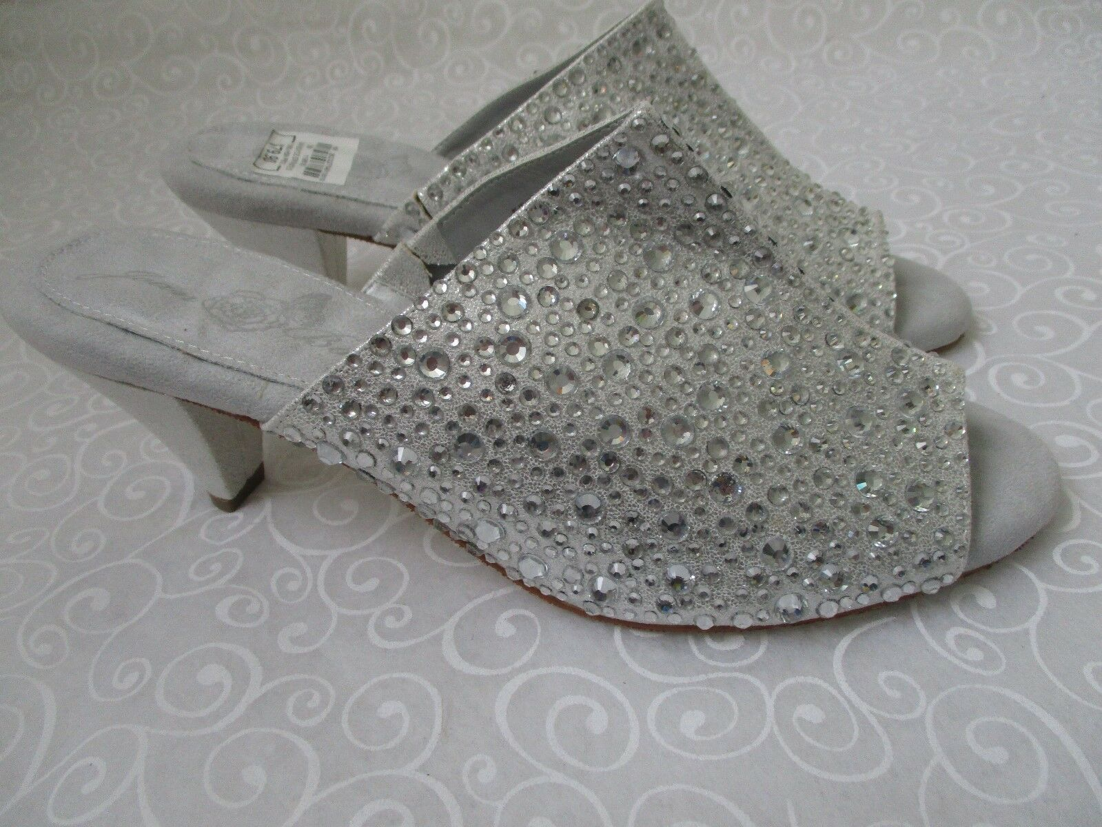 JOAN BOYCE ENCRUSTE SILVER RHINESTONE OPEN TOE SHOES SIZE 10 M - NEW