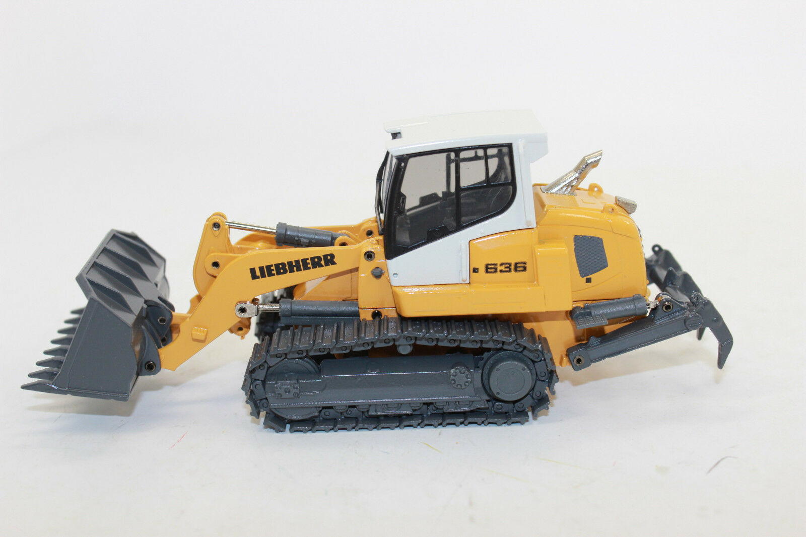 Conrad 2855 LIEBHERR laderaupe LR 636 neuve dans emballage d'origine 1 50