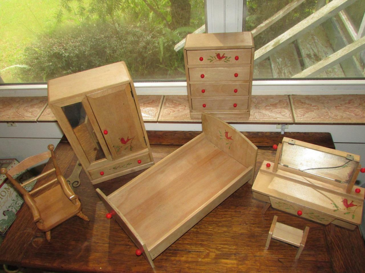 RARE rosso ROBIN WOODEN DOLL HOUSE FURNITURE BEDROOM SET