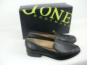 A-PAIR-OF-LADIES-BLACK-LEATHER-SLIP-ON-SHOES-SIZE-4-JONES
