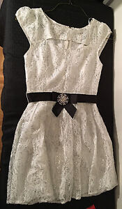 Deb-White-Lace-Girls-Dress-Silver-Shimmers-Black-Belt-Brooch-Size-Sm-B2