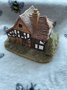 BR Lilliput Lane Cottage Oak Lodge Made In England Ornament Collectible