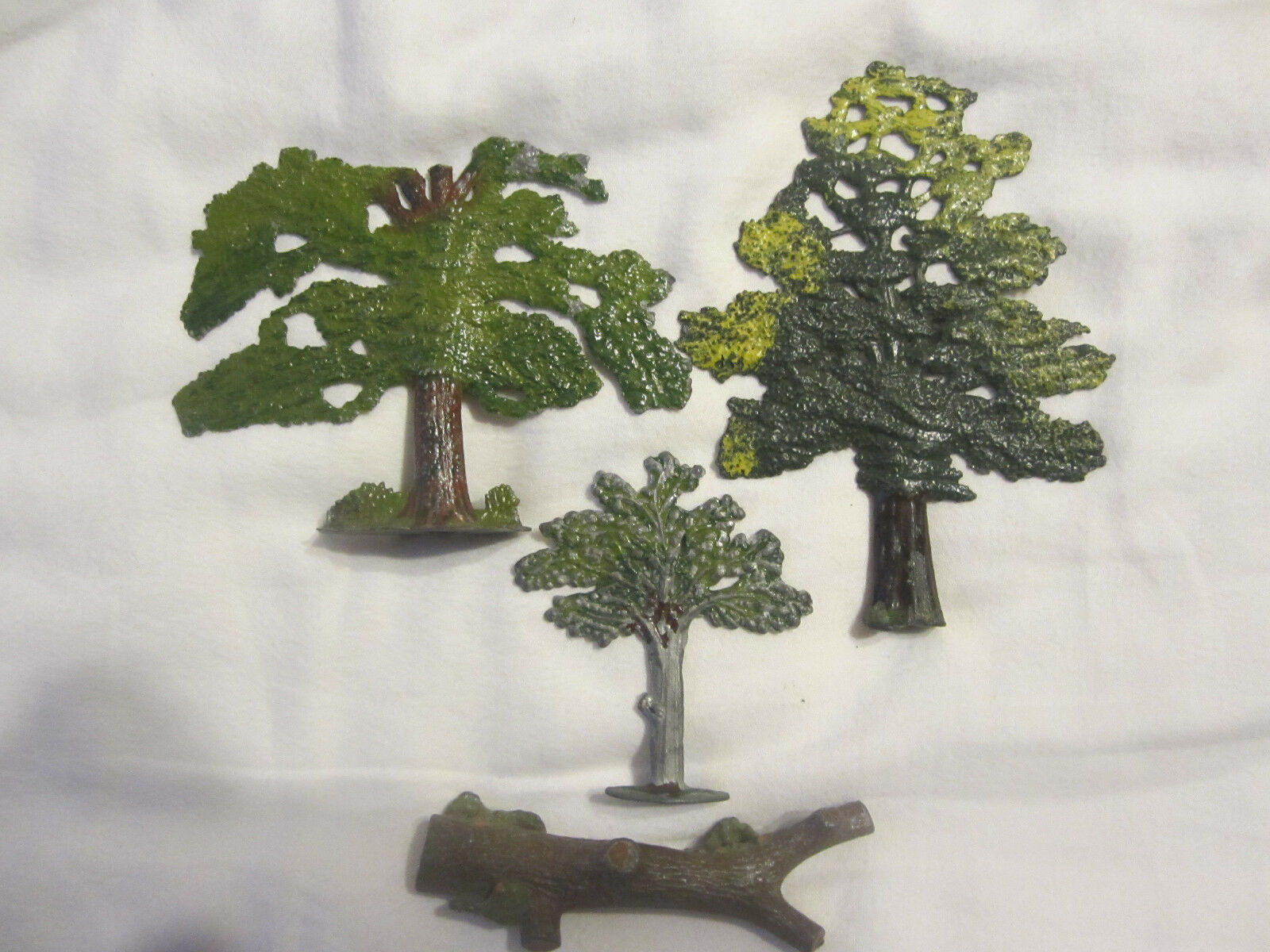 Britains F C T & sons selection of Lead  Trees & Tree stump