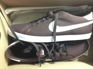 44 Nike 5 Grau Txt Us 5 Eastham 10 Neu Sneaker braun Gr Sportschuhe qgYTwIgr