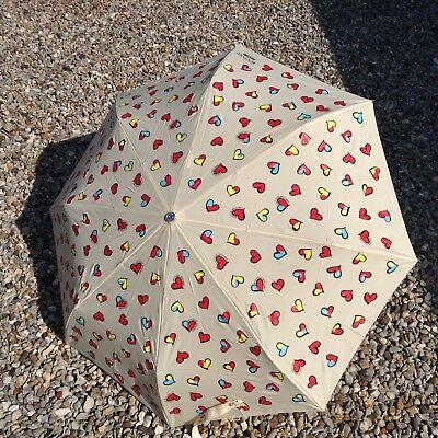 Bene Bnwts Boutique Moschino Avorio Multi Cuori Ombrello, Sun Protection Uv 99%-mostra Il Titolo Originale Ad Ogni Costo