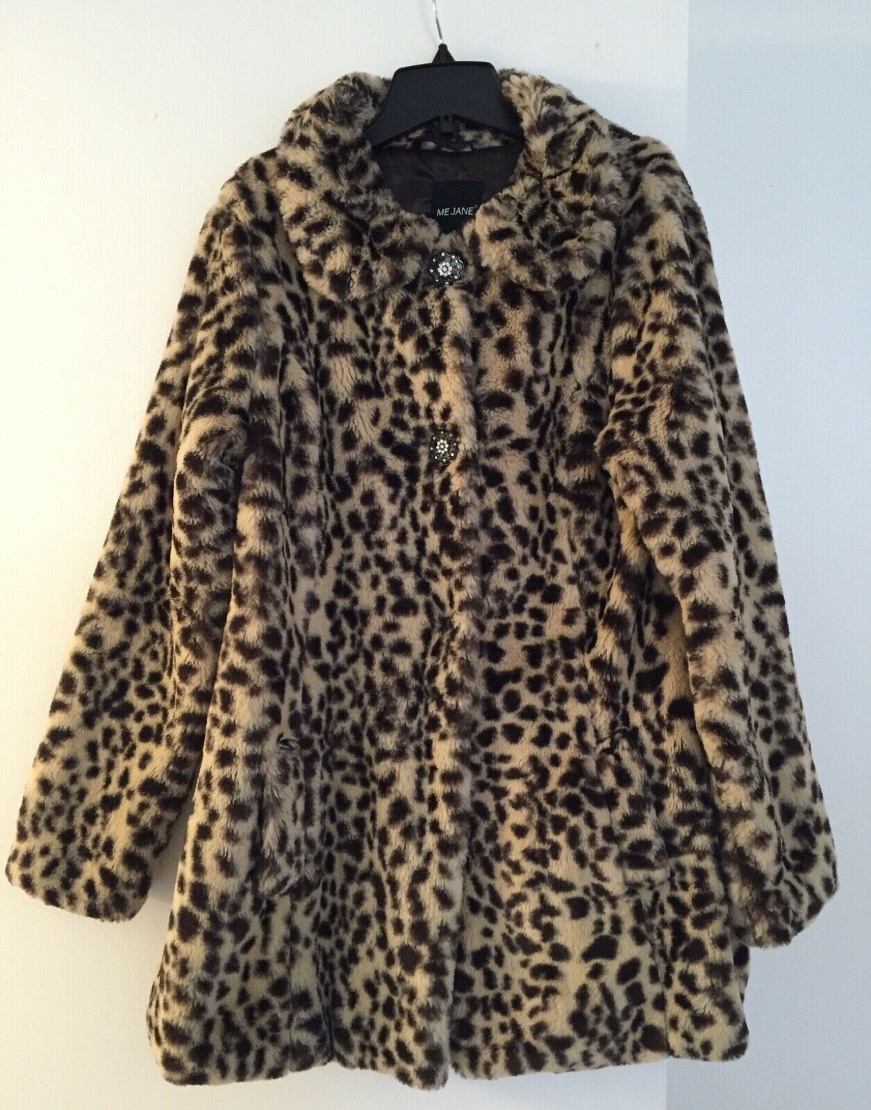 In Excellent Condition   Super Soft   Leopard printed Faux Shearling Coat M
