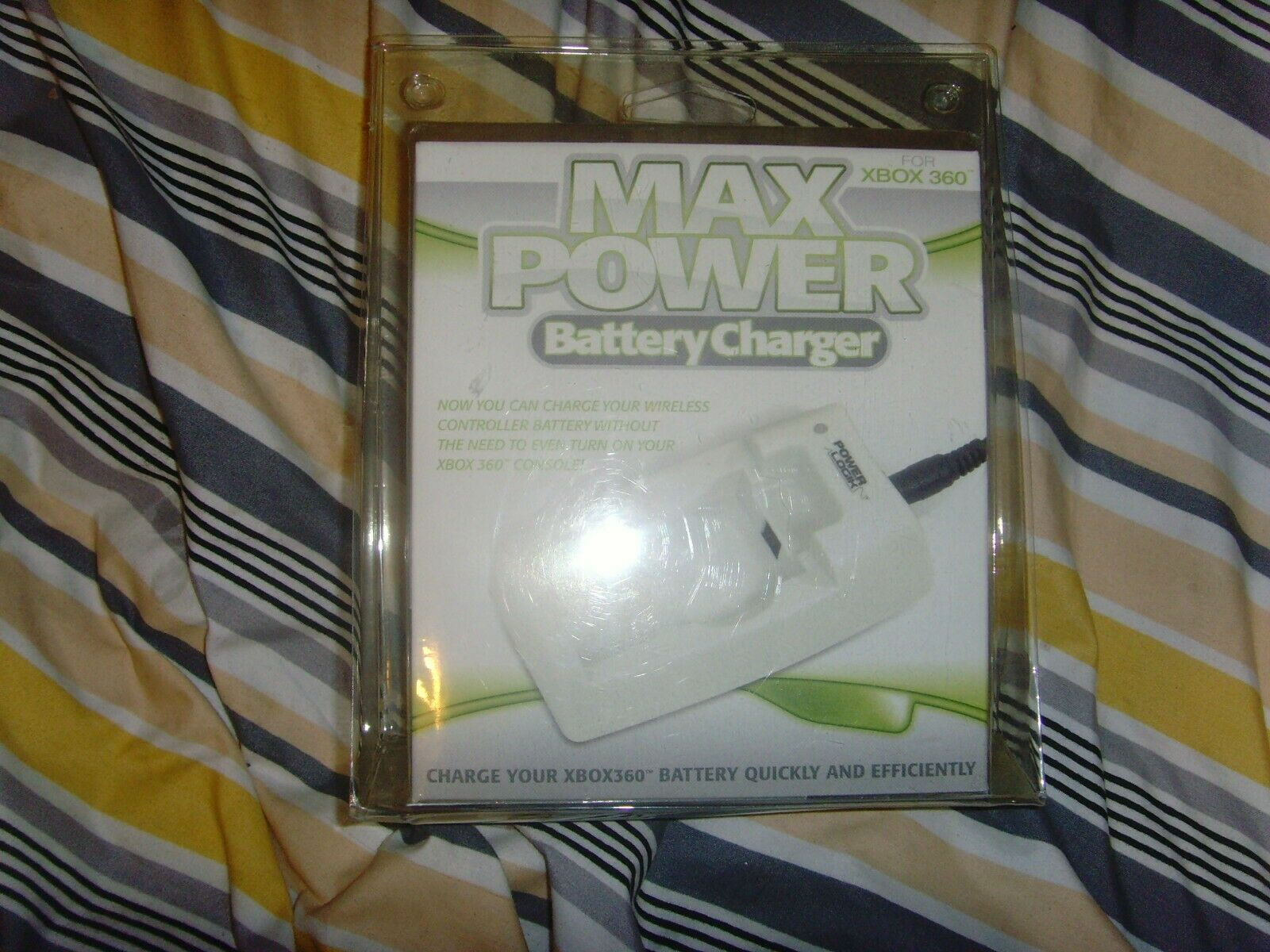 GU13 - Max Power xbox360 Battery Charger Pack White