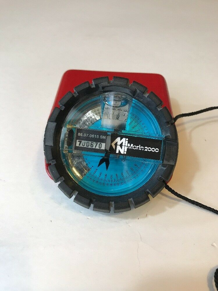 Pioneer Research Vion Mini 2000 mano teniendo brújula Morin
