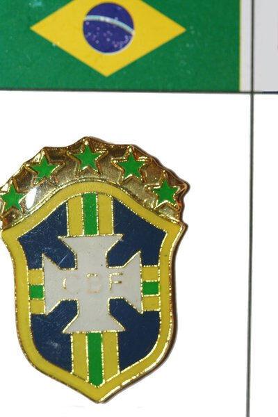 NEW 5 STARS CBF LOGO  FIFA WORLD CUP THICK SCARF. KAKA  #10 BRASIL