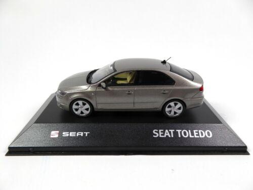 Seat Toledo IV Silver Grey Minichamps Diecast Dealer Miniatur Modellauto SE16