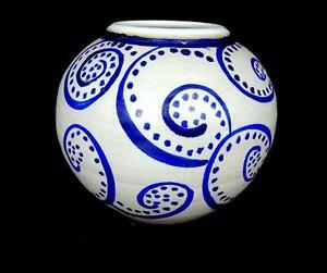 Werner-signe-Studio-Art-Pottery-parchemin-et-Dot-Design-6-7-8-034-Ball-Vase