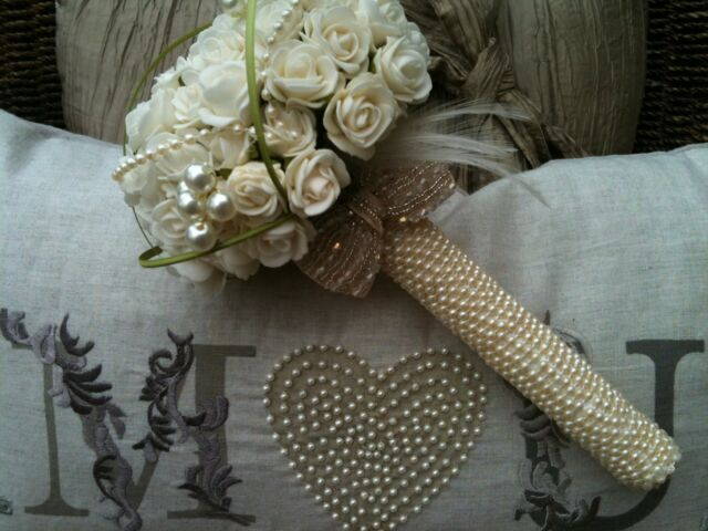 BRIDES POSY VINTAGE BOUQUET IVORY TEA ROSES FEATHERS PEARLS ESSEX WEDDINGS