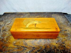 Beautiful-Vintage-Thorens-Made-in-Switzerland-Music-Box