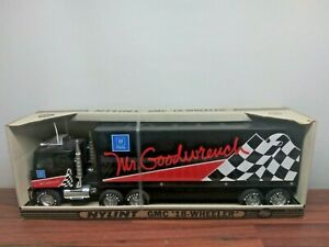 Vintage Nylint GMC 18 Wheeler MR.GOODWRENCH NRFB