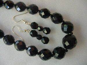 (v17) vintage redesigned faceted Black glass Beaded 24 long Necklace + earrings