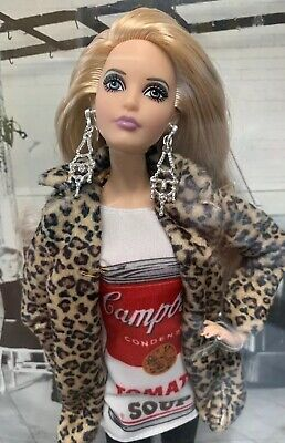 2016 ANDY WARHOL CAMPBELL/'S SOUP BARBIE DOLL SILVER LABEL IN TISSUE DKNO4 *NEW*