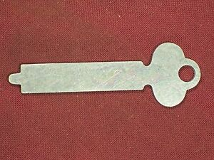 Vintage Flat Steel Key Trunk Chest Padlock Antique Lock Box Desk Cabinet