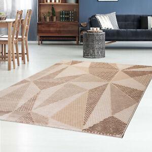 Kurzflor-Teppich-modern-mit-3D-Effekt-und-geometrischem-Muster-in-Taupe