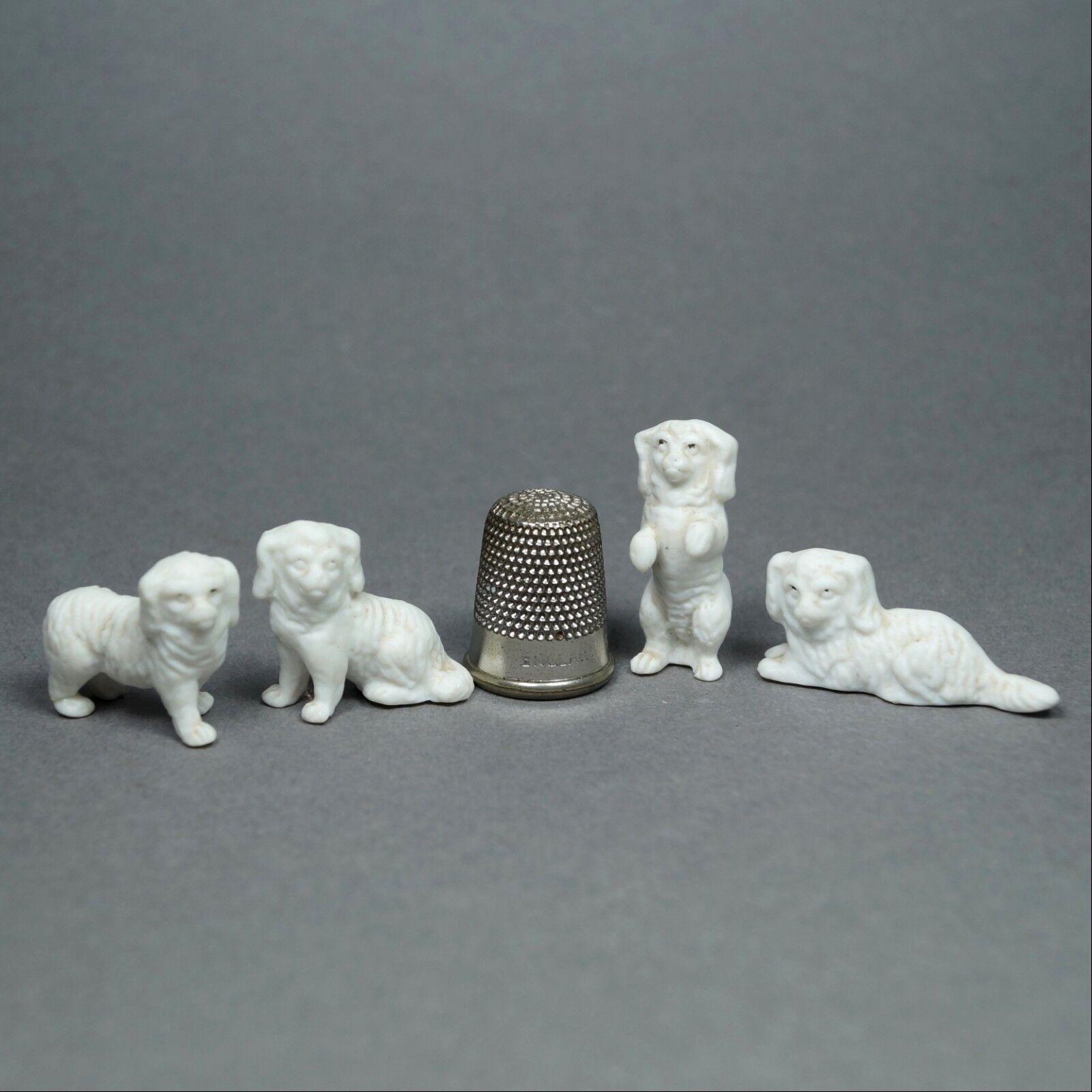 19th Century Francés Casa De Muñecas En Miniatura De Porcelana Perro Conjunto de 4 Terriers C 1880