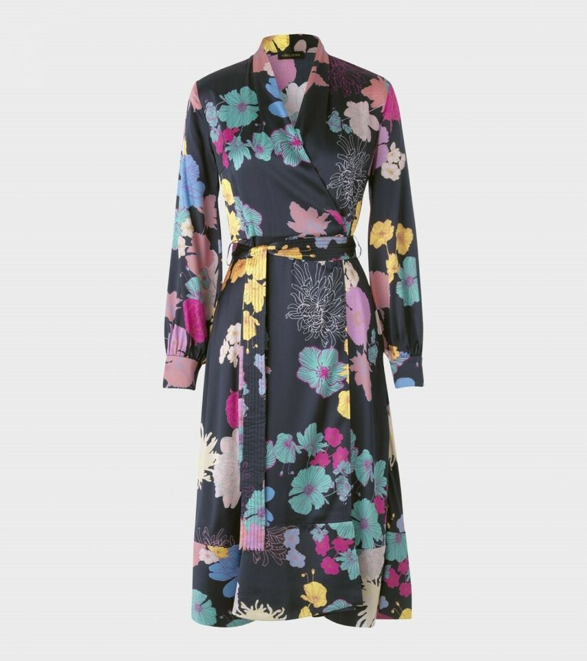 Anden kjole, Stine Goya, str. S