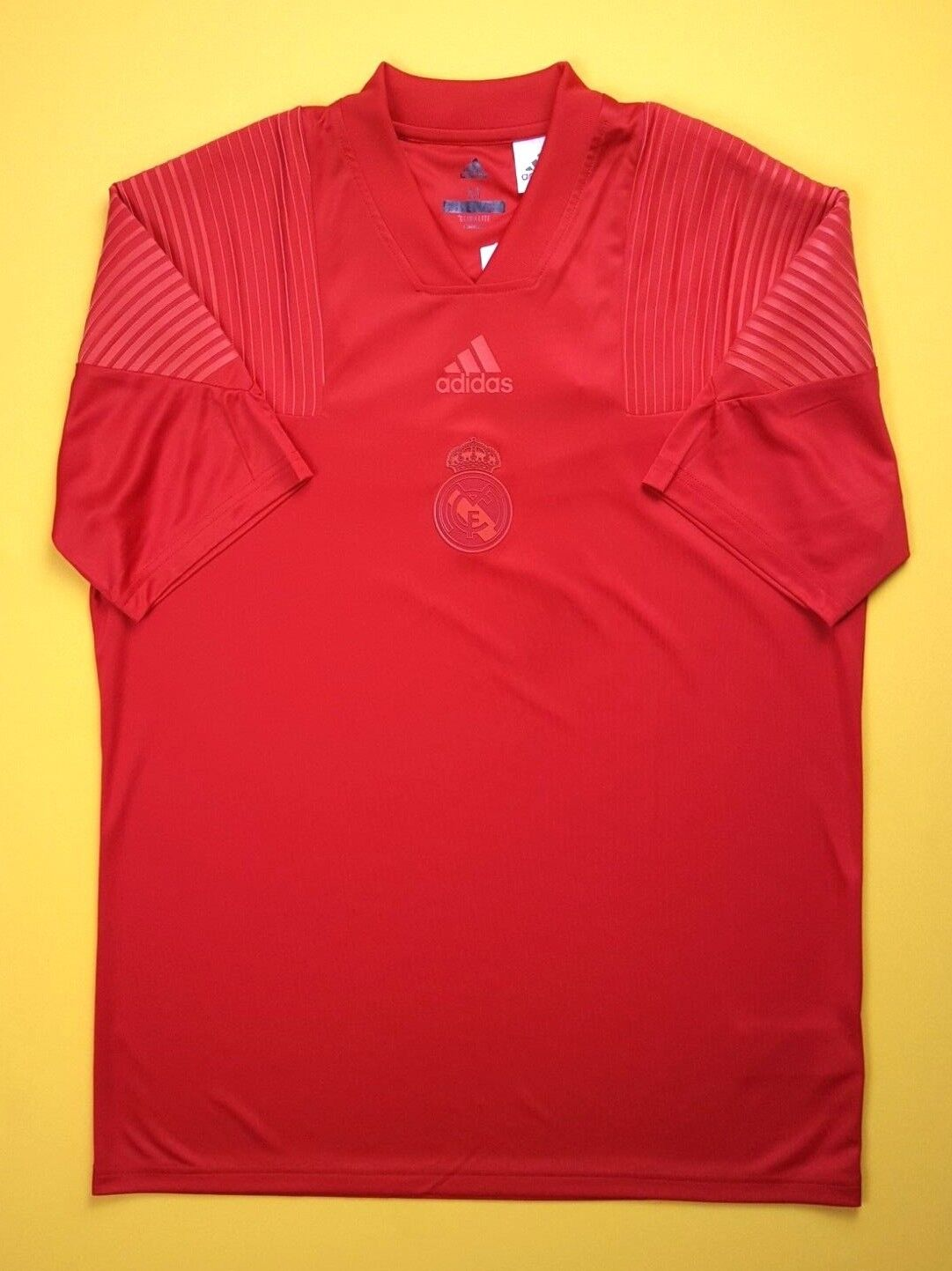 5 5 Real Madrid training jersey MEDIUM shirt soccer football Adidas ig93