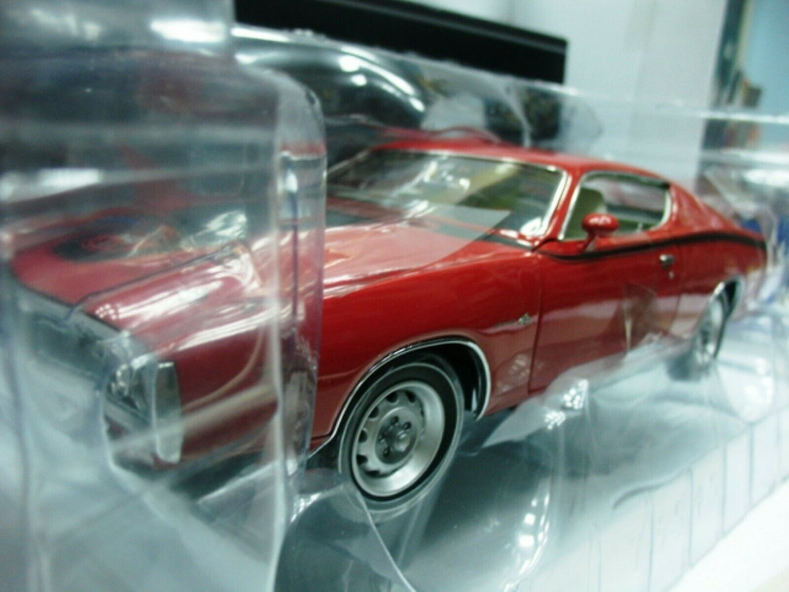 WOW EXTREMELY RARE Dodge Charger Super Bee 426 Hemi 1971 Candy Red 1 18 RC2 ERTL